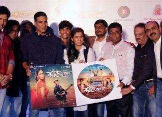 kaul-manacha-music-launch-by-akshay-kumar-and-dimple-kapadia