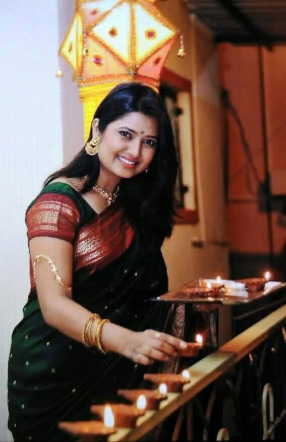 Mayuri Wagh Photos - Karamnook.com | Marathi Movies