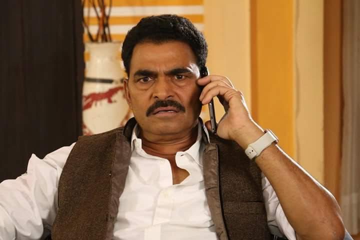 Sayaji Shinde In Shoor Aamhi Sardar Marathi Movie